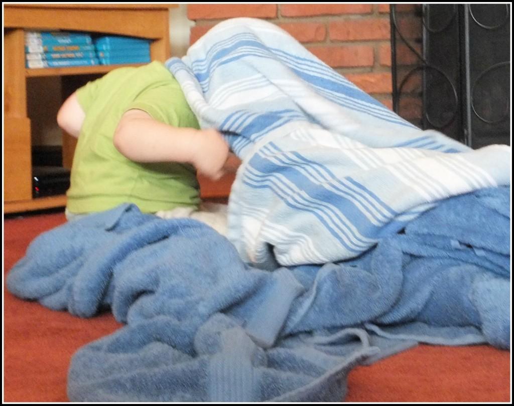viggo under towels