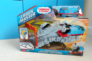 Thomas-Friends-TrackMaster-Close-Call-Cliff-Playset