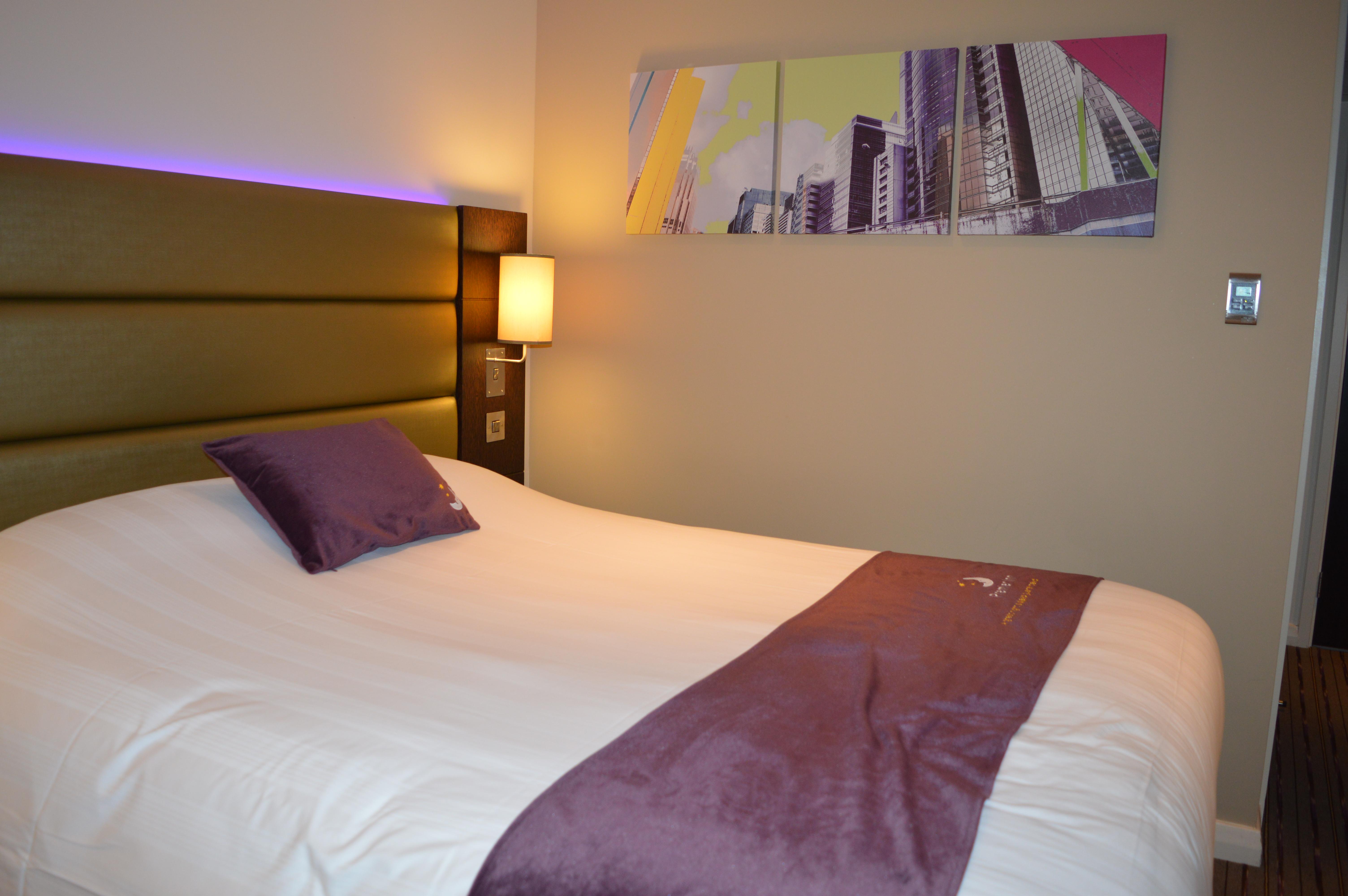 Archway premier Inn Bedroom