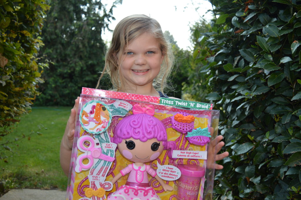 Eowyn with Laloopsy Glitter Hair Dough