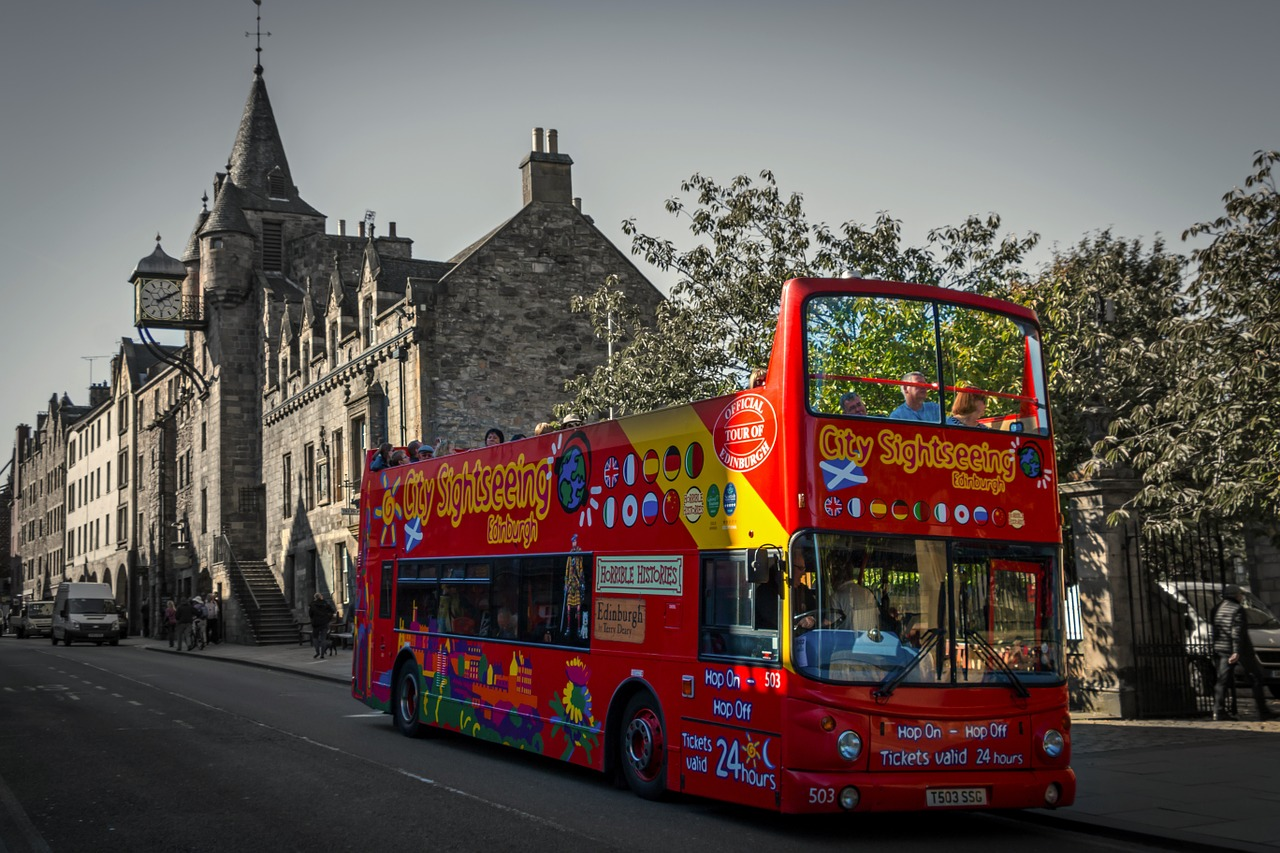 Edinburgh Sight Seeing Bus