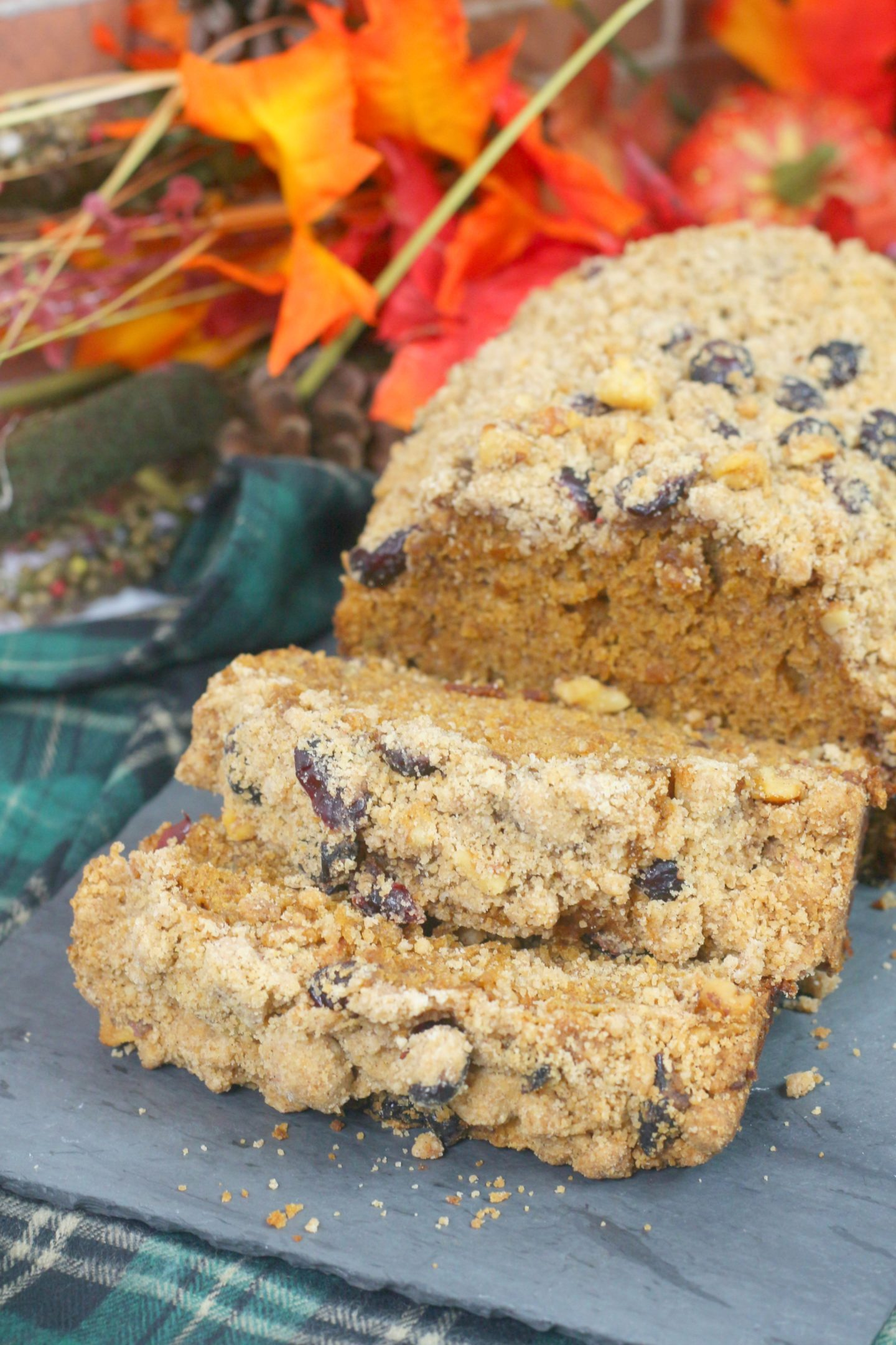 pumpkin cranberry walnut crumble bread